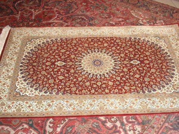 La galleria di tappeti piu\' grande della provincia di messina